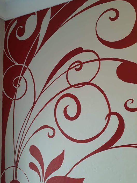 red-floral-bathroom-mural-corner-detail