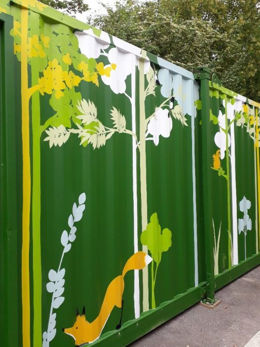 urban-city-woodland-trees-shippingcontainer-mural-green-squirrel