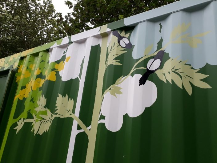 urban-city-woodland-trees-shippingcontainer-mural-green-magpies