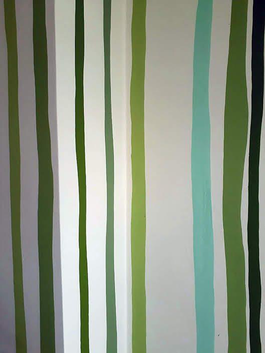 bedroom-wall-mural-trees-stripe