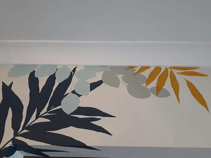 tropical-leaf-kitchen-wall-detail