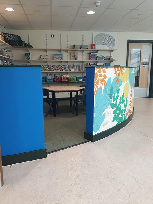 leaves-colourful-school-reading-corner-wall-mural-blue