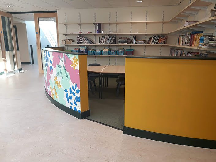 leaves-colourful-school-reading-corner-wall-mural-yellow