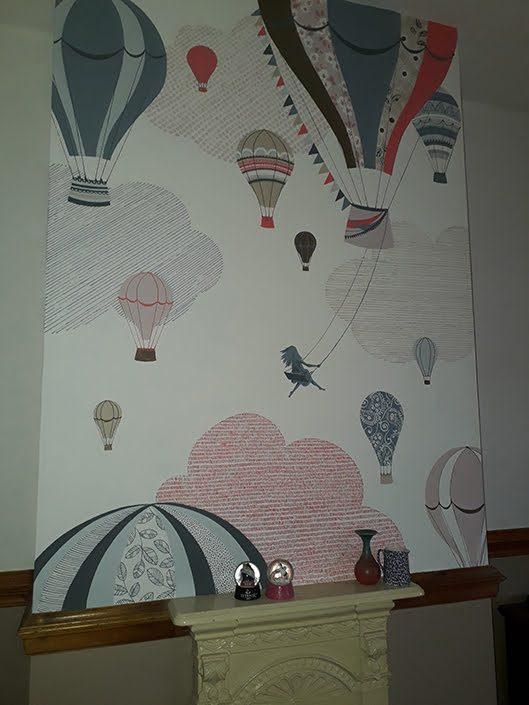 girls-bedroom-hotairballoon-wall-mural-swing-clouds